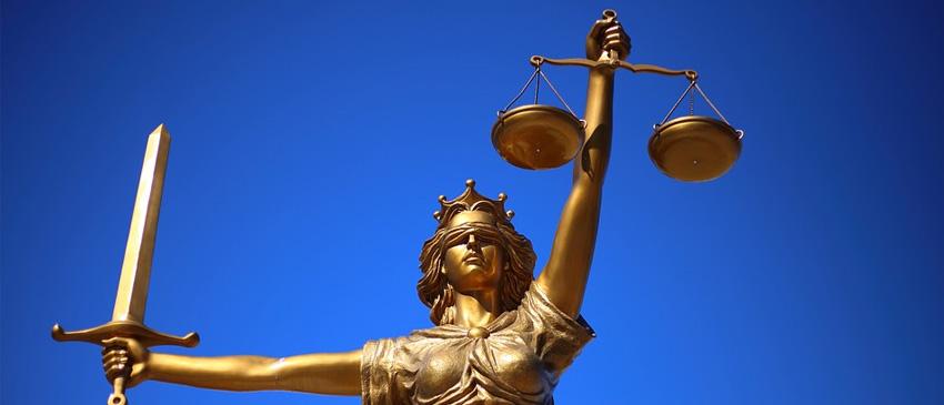 Justizia symbolisiert Recht und Ordnung - Dies ist besonders wichtig für den Compliance Officer